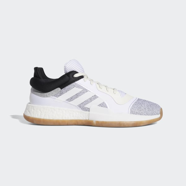 20b6c83cf12 Sapatos Marquee Boost Low Off White   Ftwr White   Core Black D96933