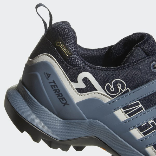 ed66996be7a Terrex Swift R2 GTX Shoes Legend Ink   Tech Ink   Grey One AC8057