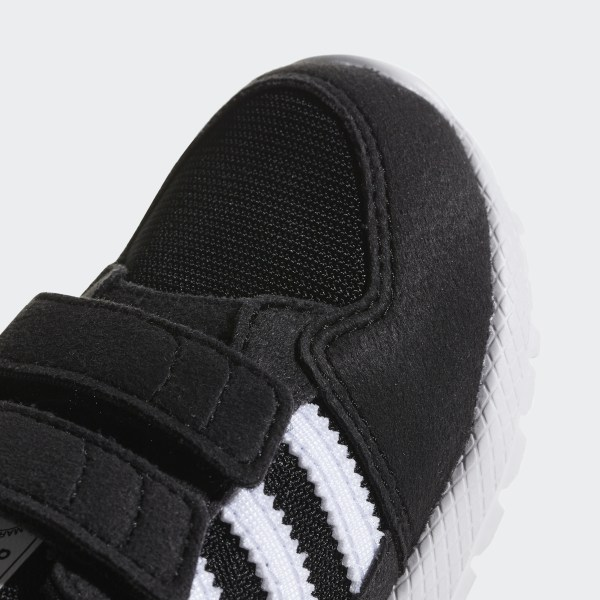 44d066beaef Forest Grove Shoes Core Black   Ftwr White   Core Black B37749
