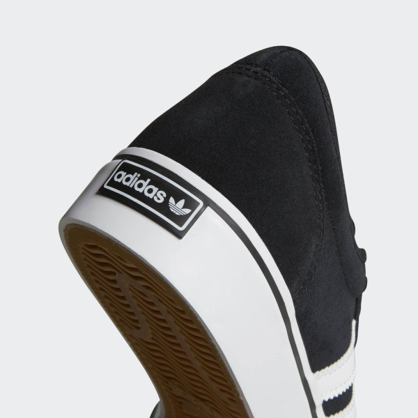 new products 76f52 65134 Scarpe adiease Core Black   Footwear White   Core Black BY4028