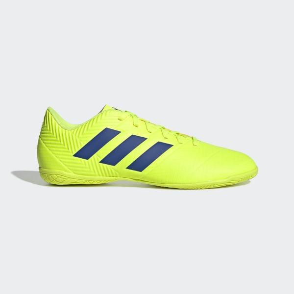 Calzado de Fútbol Nemeziz Tango 18.4 Bajo Techo solar yellow   football  blue   active red 4773a96a908b5