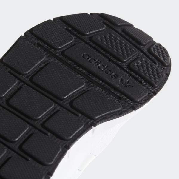 a24bf5eea Swift Run Shoes Cloud White   Crystal White   Core Black CP9435