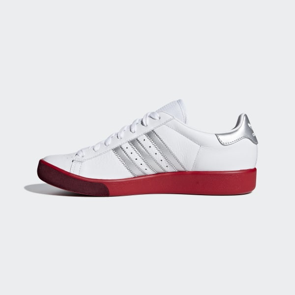 942409f26d32a Forest Hills Shoes Ftwr White   Silver Met.   Scarlet BD7622