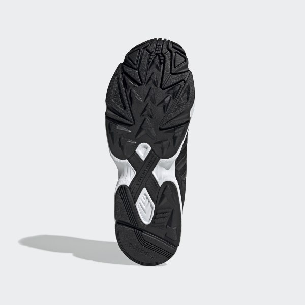 Yung-96 Shoes Core Black / Core Black / Crystal White EE3681