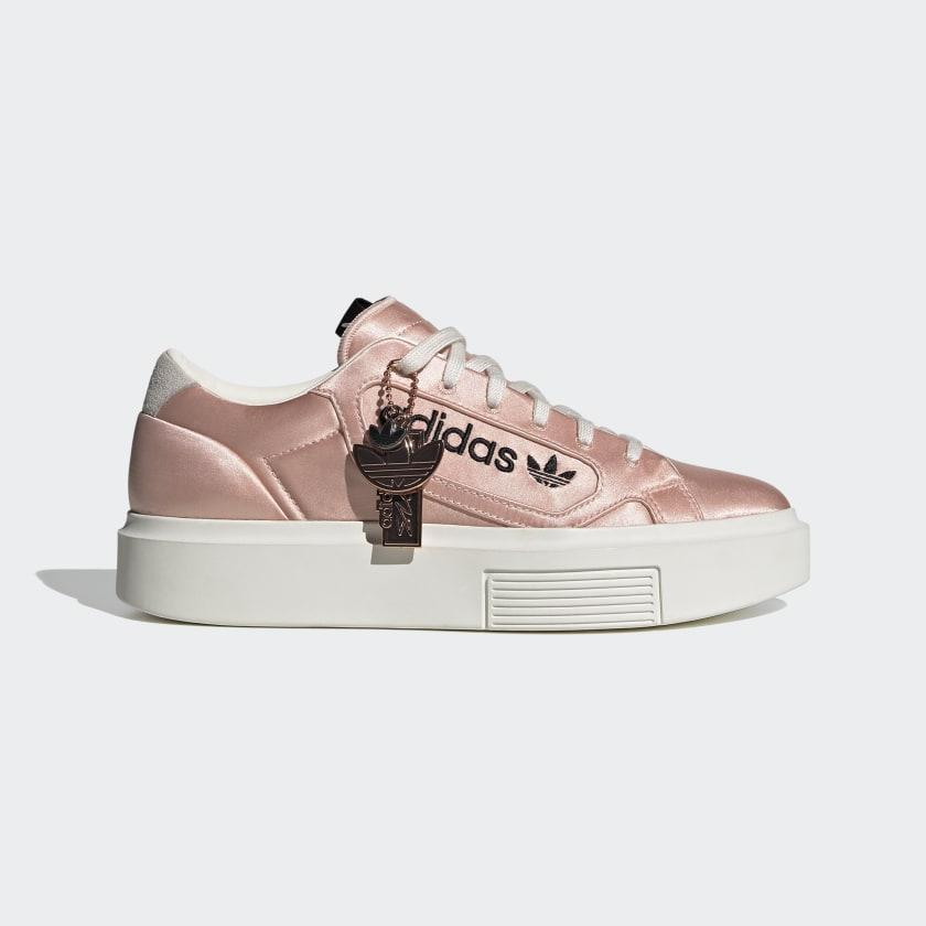 sleek rose et blanche adidas