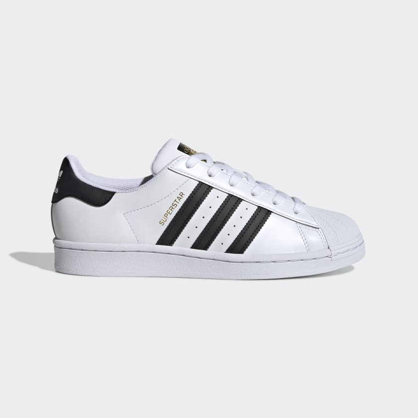 ambición Grapa Todo tipo de  Women's Superstar Cloud White and Core Black Shoes | adidas US