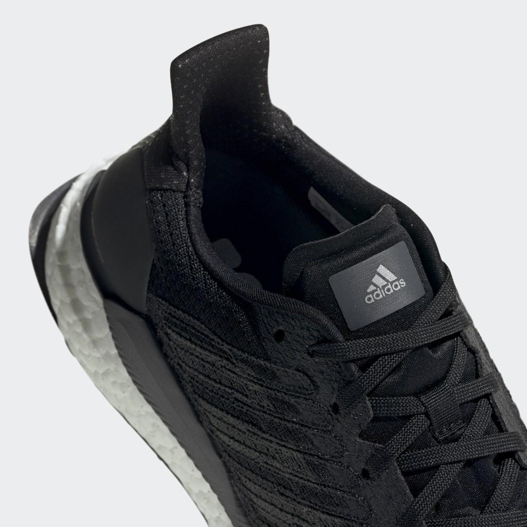 Фото 4 - Кроссовки для бега SolarBoost 19 adidas Performance черного цвета