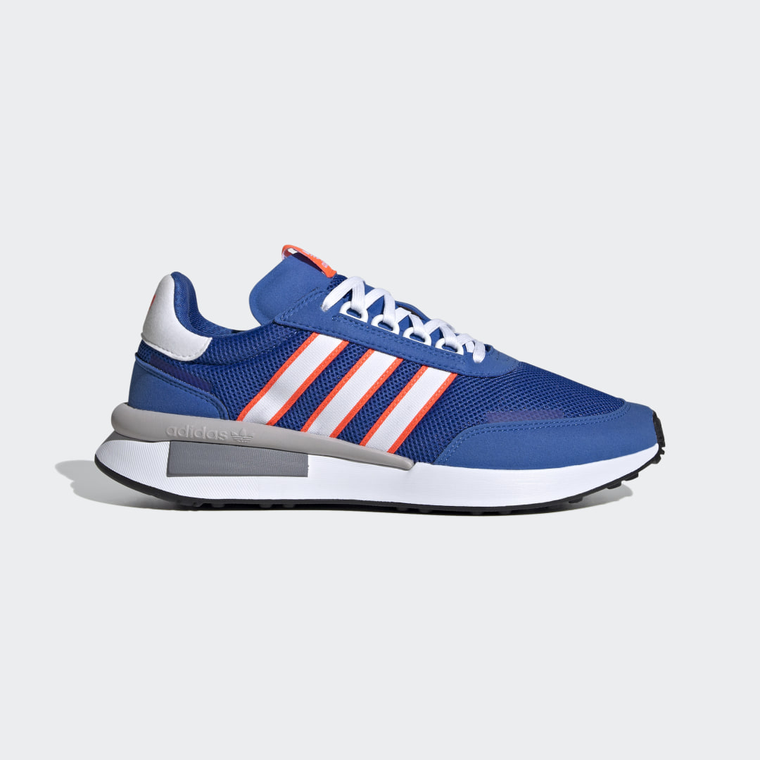 adidas Aspiring sneakerhead? adidas purist? The adidas Retroset Shoes appeal to anyone with a thing for legendary running heritage. Enjoy a classic \\\'80s die-cut design infused with a fresh pop of color. It\\\'s nostalgia, made new.