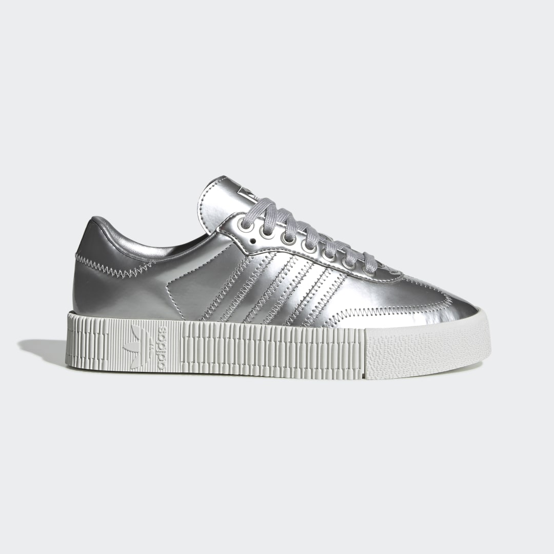 adidas The Samba has been beloved by generations of soccer fans since its debut in 1950. Inspired by the iconic look of the Samba, these adidas SAMBAROSE Shoes bring a distinctively feminine feel. They pair a gleaming metallic upper with a platform midsole. A rubber cupsole adds an authentic finish.