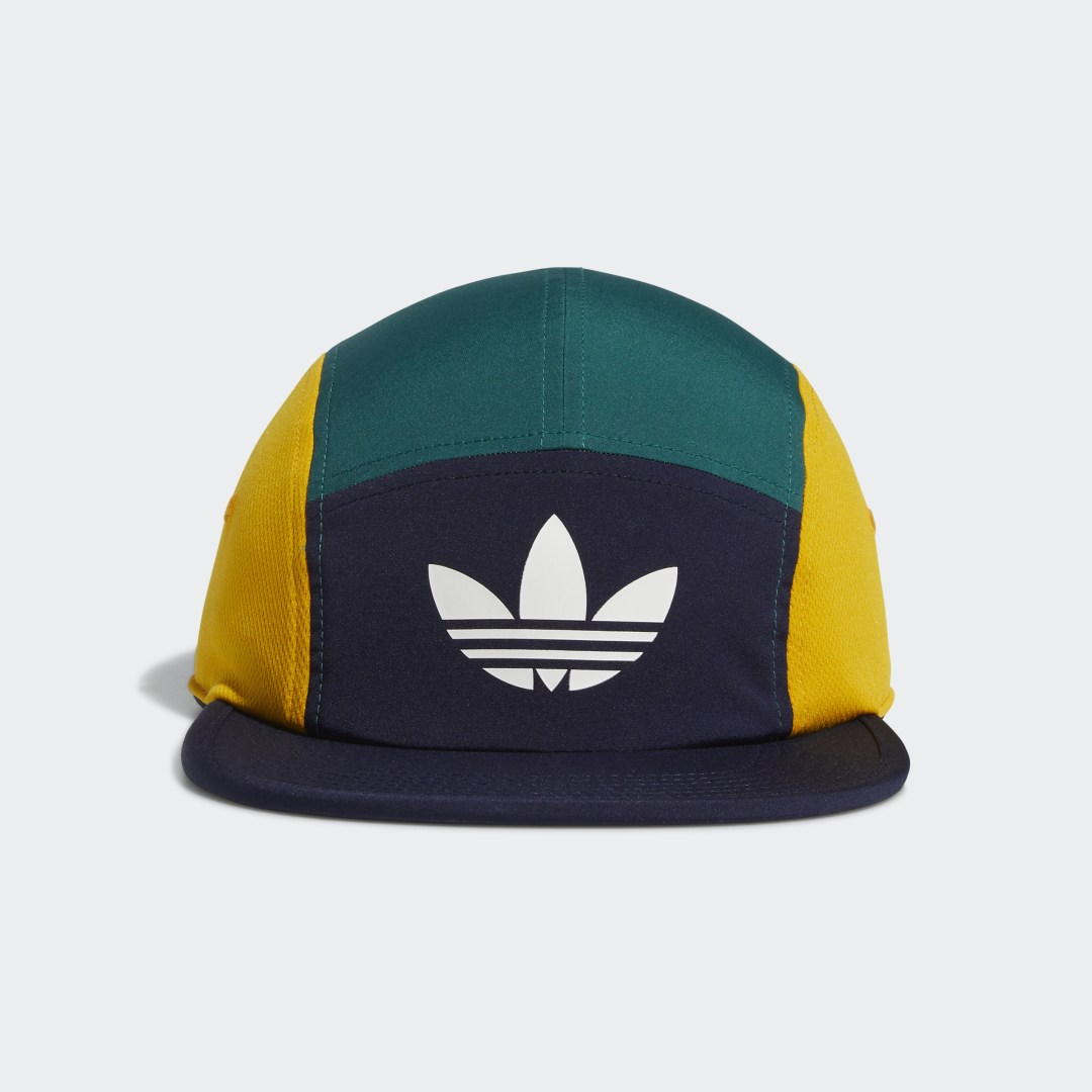 adidas Break it down to the basics. Five panels, four colors and one flat brim give this adidas hat a fresh, street-ready look. Keep a cool head with side mesh panels and a lightweight build for an easy-to-wear feel.