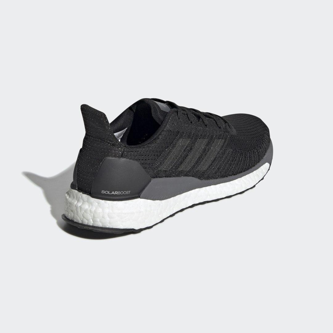 Фото 2 - Кроссовки для бега SolarBoost 19 adidas Performance черного цвета