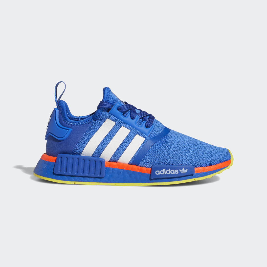 adidas Head of the class or president of science club, you\\\'re not afraid to take the lead. You wear labels like computer nerd as a badge of honor. The most successful people in history were, and you plan on being one of them. Start with the uniform. These juniors\\\' NMD_R1 shoes are standard code, dress or otherwise. Own the cutting-edge aesthetic, complete with signature midsole plugs, in iconic adidas style.