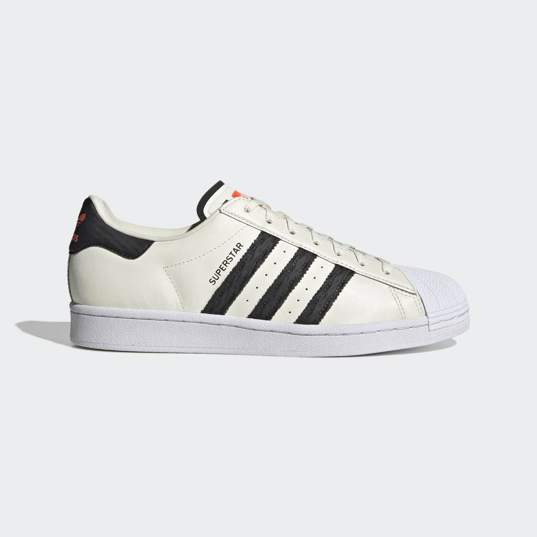 adidas Fall in love with the original all over again. When the adidas Superstar Shoes first stepped onto the court in the 1970s, players had never seen anything quite like it. 50 years and millions of pairs later, the sneaker is officially an icon. But that doesn\\\'t mean it\\\'s stopped evolving. This version of the classic has a revamped color scheme and a fused look that steps right into the 21st century. Hello, future.