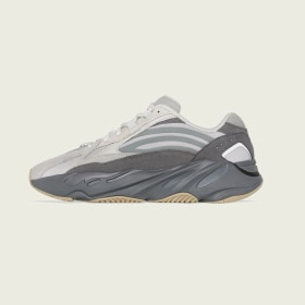 Yeezy Boost 700 V2 Shoes