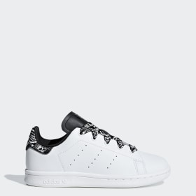 detailed look 4d2d1 65aa9 Stan Smith Shoes