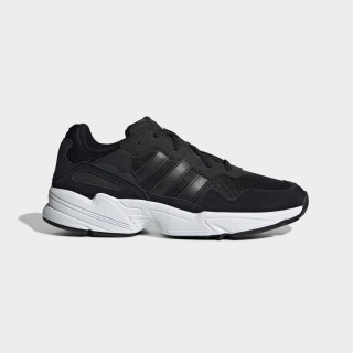 Yung Schoenen Core Black / Core Black / Crystal White EE3681