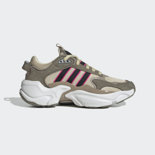 Magmur Runner Shoes St Desert Sand / Core Black / Trace Cargo EE5144
