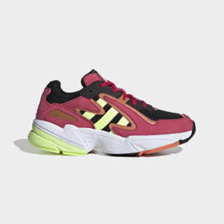 Chaussure Yung-96 Chasm Core Black / Hi-Res Yellow / Energy Pink EE7550