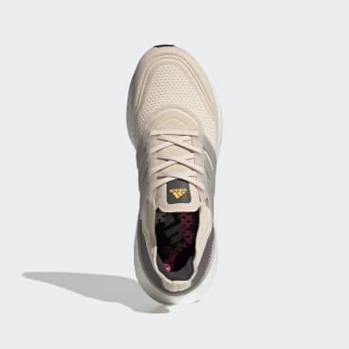 Men Running Beige Ultraboost 21 NYC Shoes