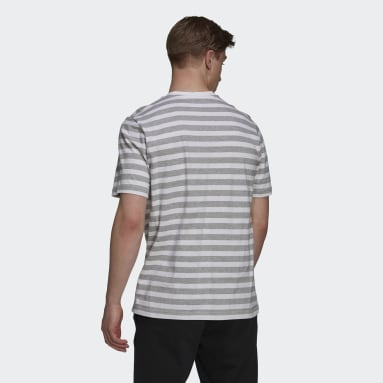 Camiseta Essentials Stripey Embroidered Logo Cinza Homem Estilo Esportivo