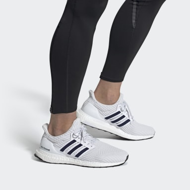 Men Running White Ultraboost 4.0 DNA Shoes