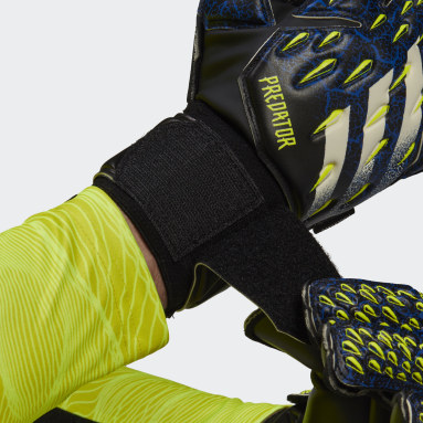 Football Black Predator Match Fingersave Goalkeeper Gloves
