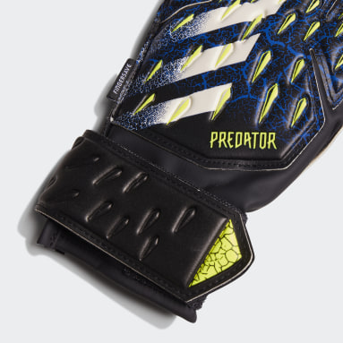 Youth 8-16 Years Football Black Predator Match Fingersave Goalkeeper Gloves