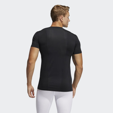 Men Running Black Techfit Compression Short Sleeve Tee