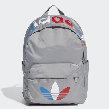 Originals สีเทา กระเป๋าเป้ทรงคลาสสิก Adicolor Tricolor
