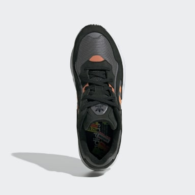Women Originals Black Yung-96 Chasm Shoes