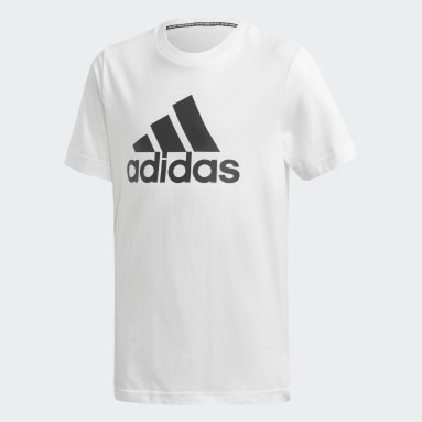 Remera Badge of Sport Must Haves Blanco Niño Diseño Deportivo