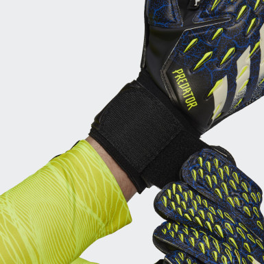 Football Black Predator Match Goalkeeper Gloves