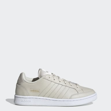 Tenis Grand Court SE Beige Mujer Sport Inspired