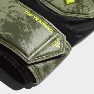 Football Green Predator Top Training Gloves