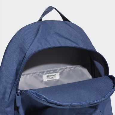 กระเป๋าสะพายหลังทรงคลาสสิก Adicolor