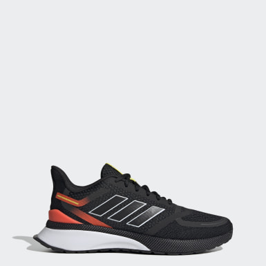Men Running Black Nova Run Shoes