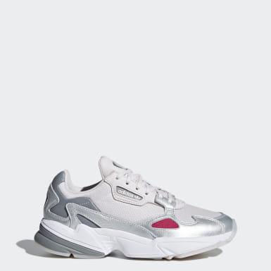 Atmungsaktiv Schuhe | adidas AT