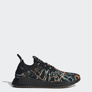 Originals Black NMD_R1 Primeknit Shoes