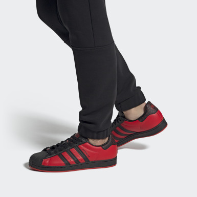 Spider-Man de Marvel : voici la chaussure Superstar Miles Morales. Noir Originals
