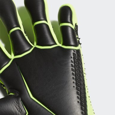 Football Green Predator 20 Pro Goalkeeper Gloves