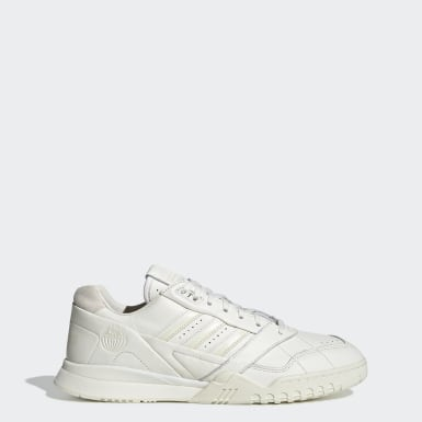 Originals Beige A.R. Trainer sko