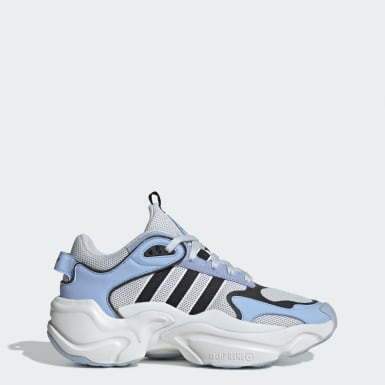 Women Originals Blue Magmur Runner Shoes
