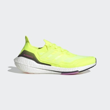 Men Running Yellow Ultraboost 21 Shoes