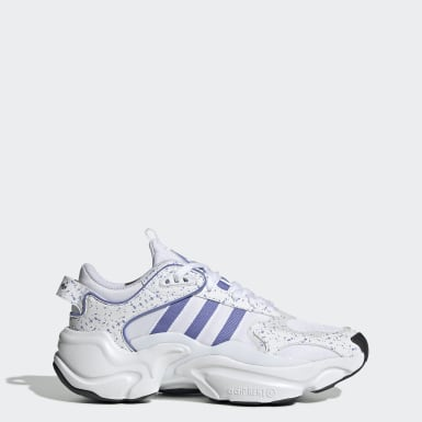 Women's Originals White Magmur Runner Shoes