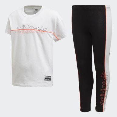Conjunto de camiseta y mallas