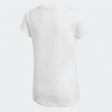 Polera Must Haves Badge of Sport Blanco Niño Sport Inspired