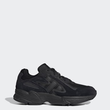 Men's Originals Black Yung-96 Chasm Shoes