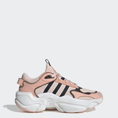 Women's Originals Pink Magmur Runner Shoes