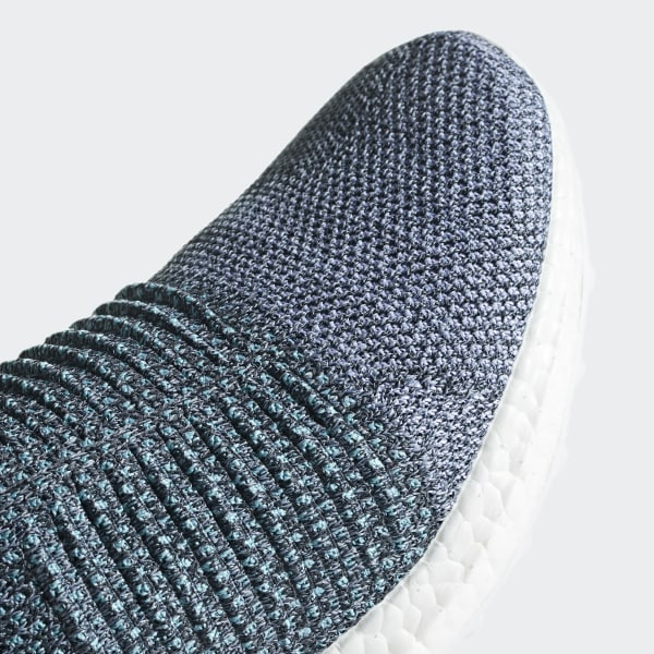 675cb427570 Zapatilla Ultraboost Laceless Parley - Azul adidas
