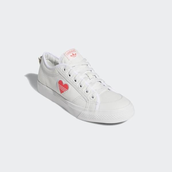 sacudir Derechos de autor base  Women's Nizza Trefoil Crystal White and Red Shoes | adidas US